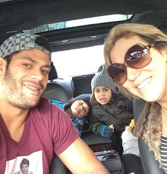 hulk with wife and sons