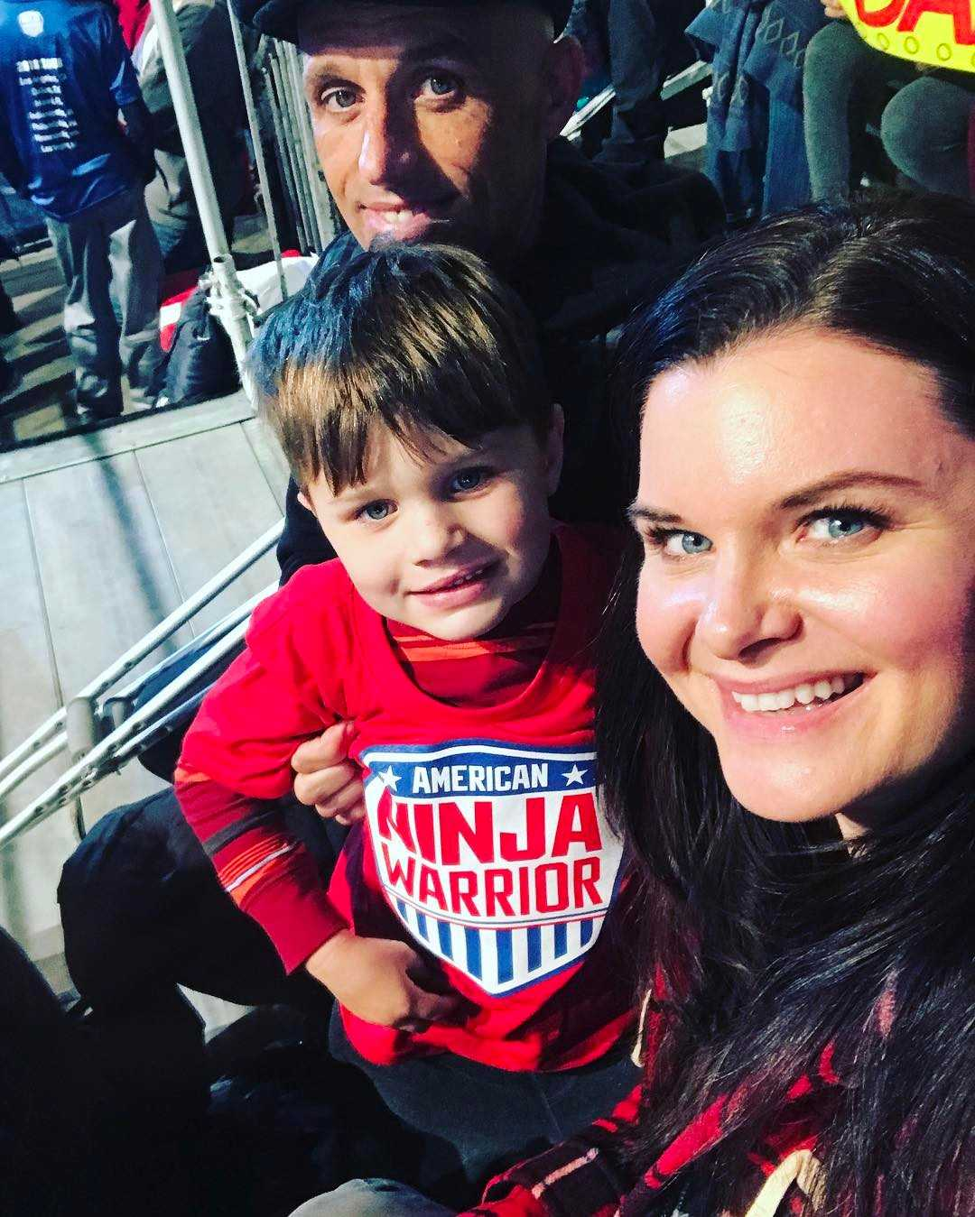 Heather Tom with family