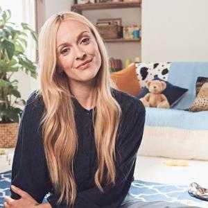 how old is nadia celebrity datingdating katowice
