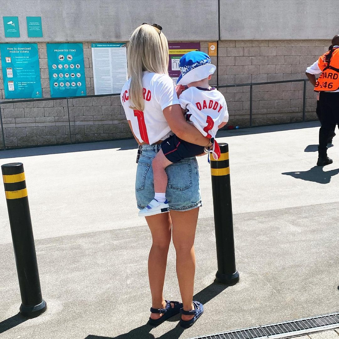 Jordan Pickford's fiancee and child