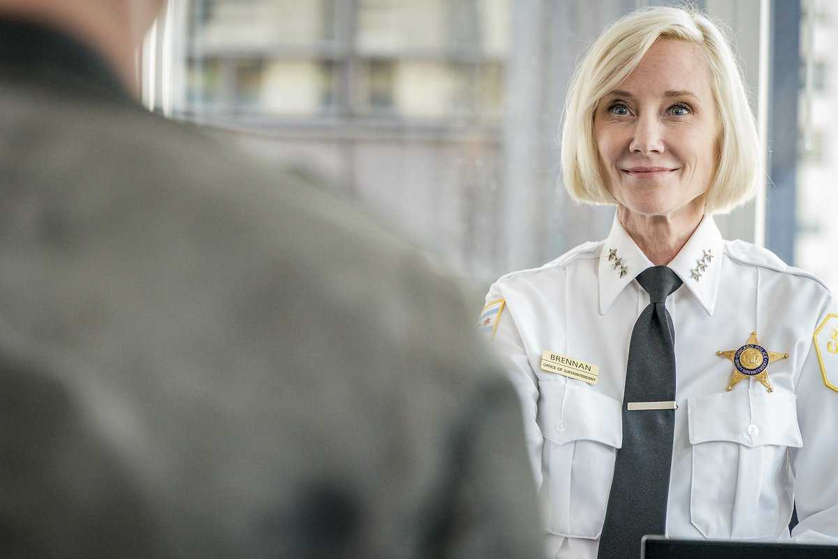 Chicago Pd New Cast 2019 Anne Heche 2019: Is Anne Heche on Chicago PD Season 6 cast now