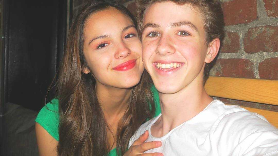 Olivia Rodrigo Still Dating Boyfriend Ethan Wacker High School Musical The Series Wiki Tv Trend Now