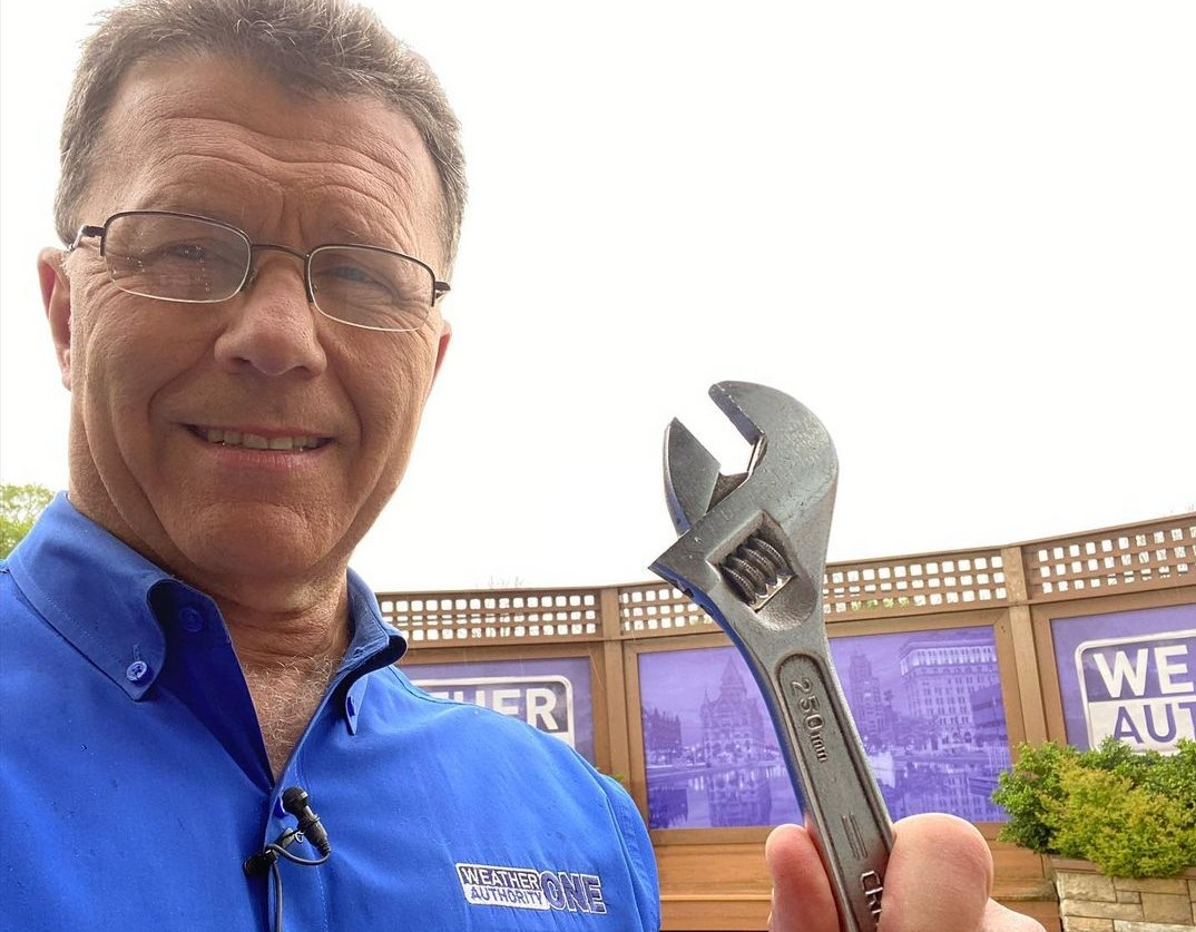 Meteorologist Wayne Mahar plans to retire after 36 years. When will he retire? Who is his wife?